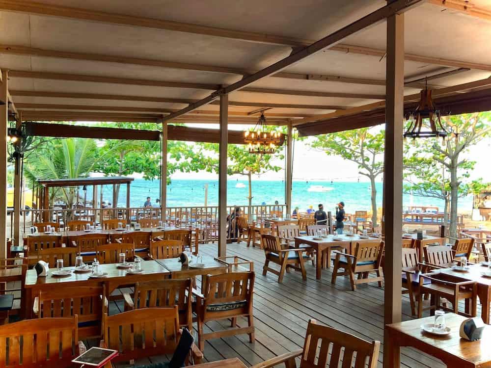 ร้านอาหารอร่อย บนเกาะล้าน
